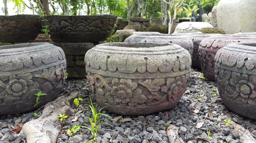 carving stone pot