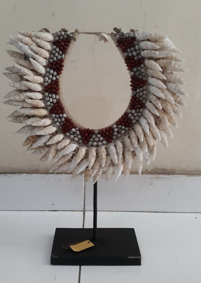 tribal sea shell necklace