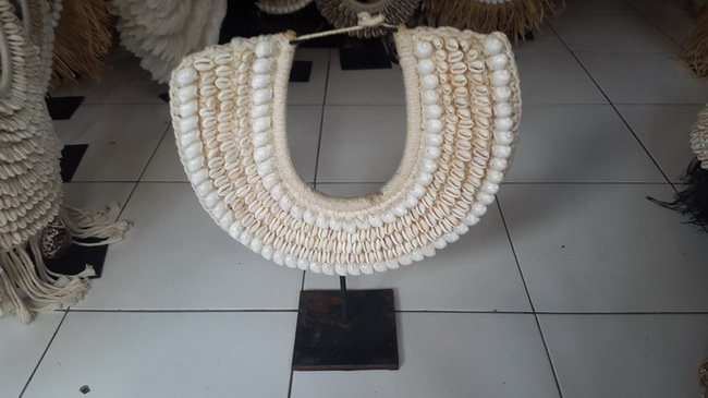 shell tribal necklace